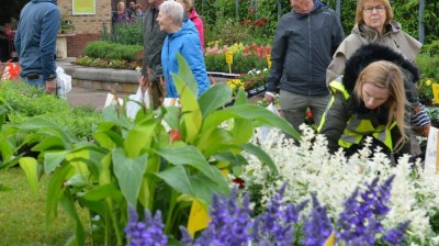 Crowds turn out for Gainsborough's first Food and Garden Fest!