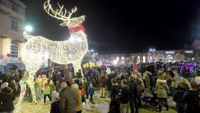 Gainsborough launches Christmas season in style!